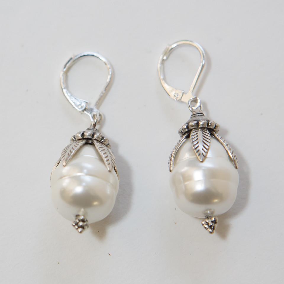 Silver Ced Pearl Earrings